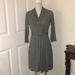 Liz Claiborne Slip-on Dress Size Small